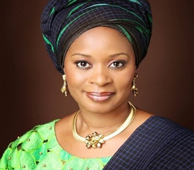 Amosun's wife counsels schoolgirls