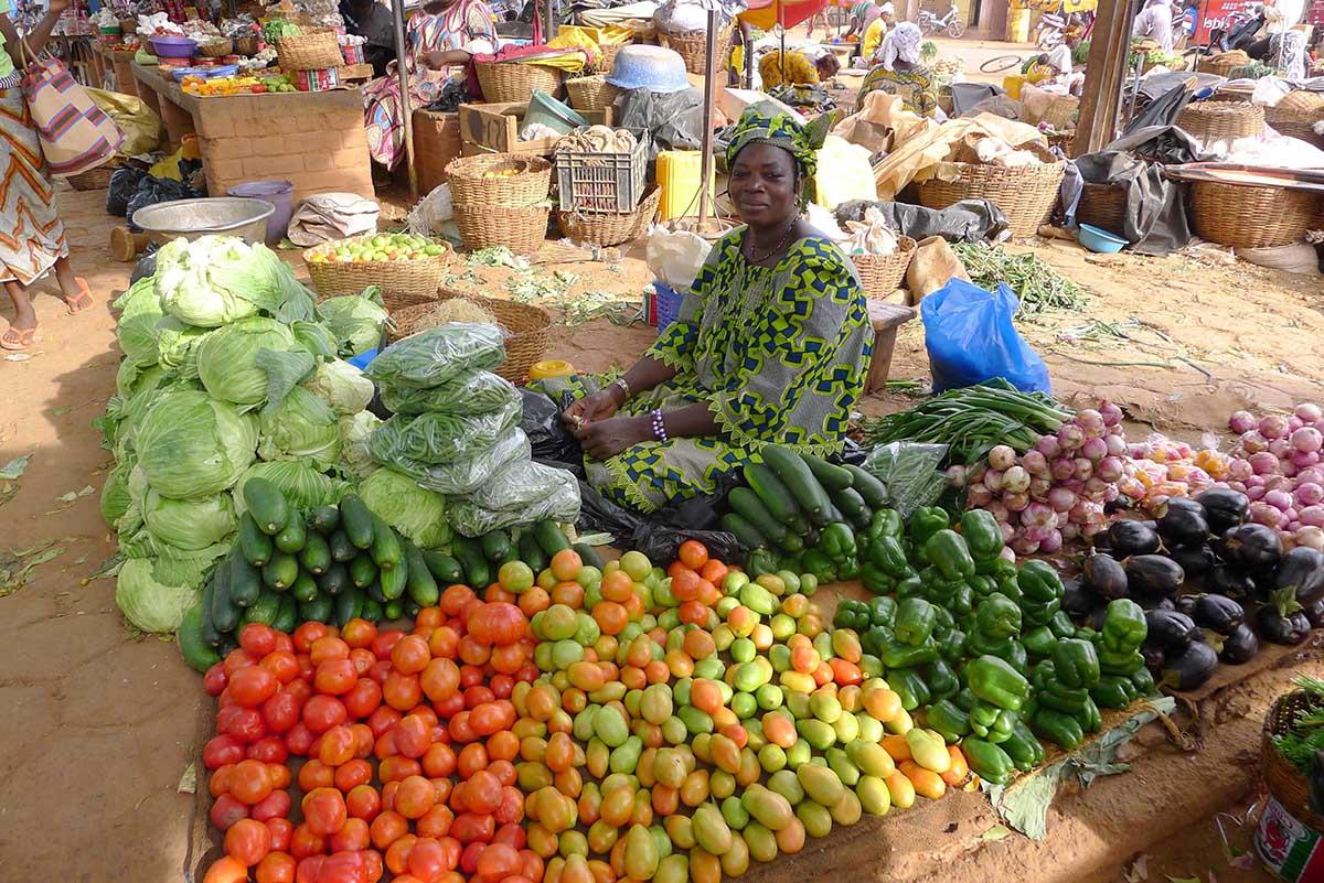 investment-nigerian-market.jpg