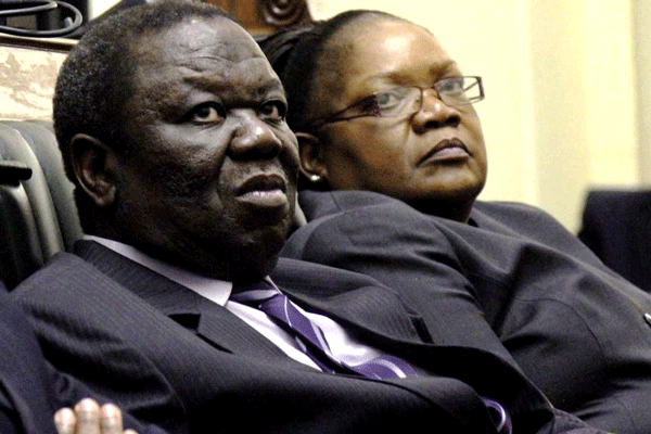 Zimbabwean opposition leaders ally to challenge Mugabe