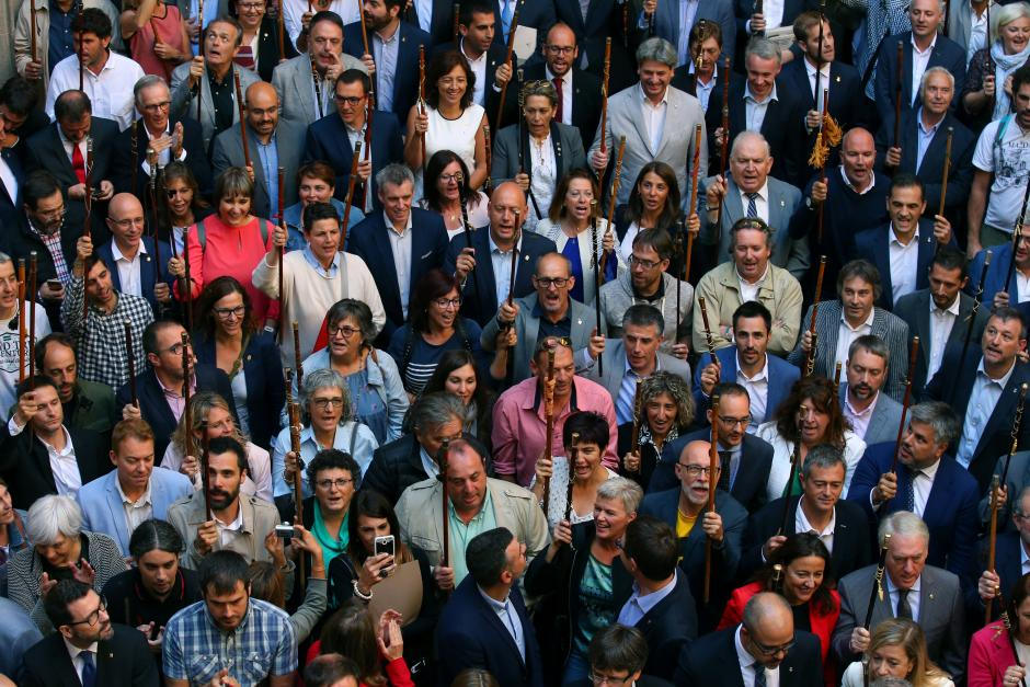 Catalan Mayors defy courts ahead of referendum