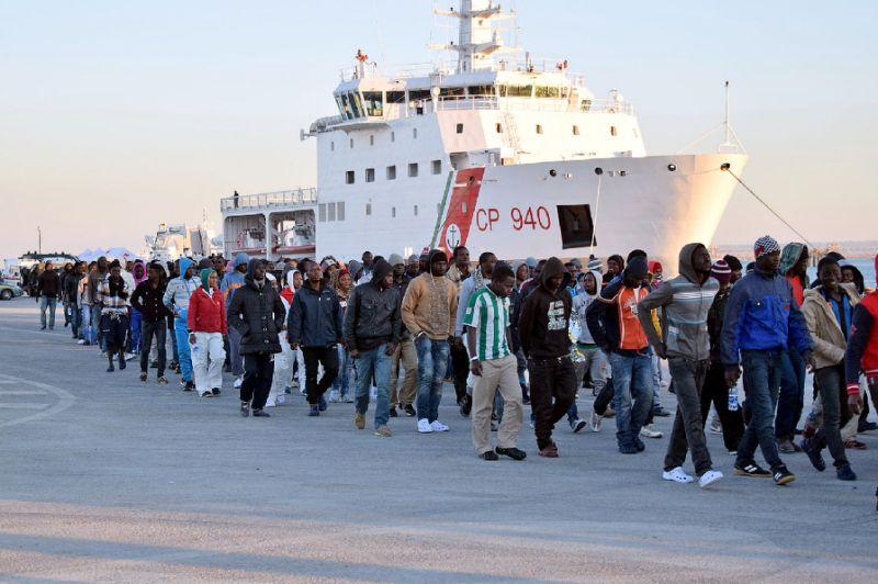 371 rescued migrants disembark at Sicilian Port