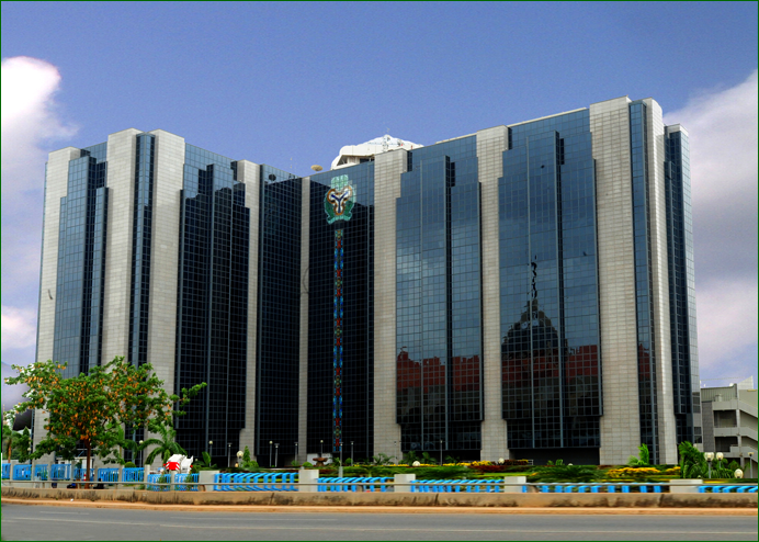 IMF warns central banks of rising financial market risks