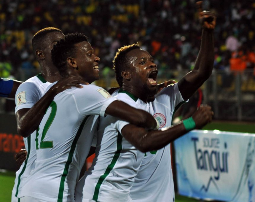 Super Eagles players get N14.4M from Akwa Ibom State Governor for beating Cameroon
