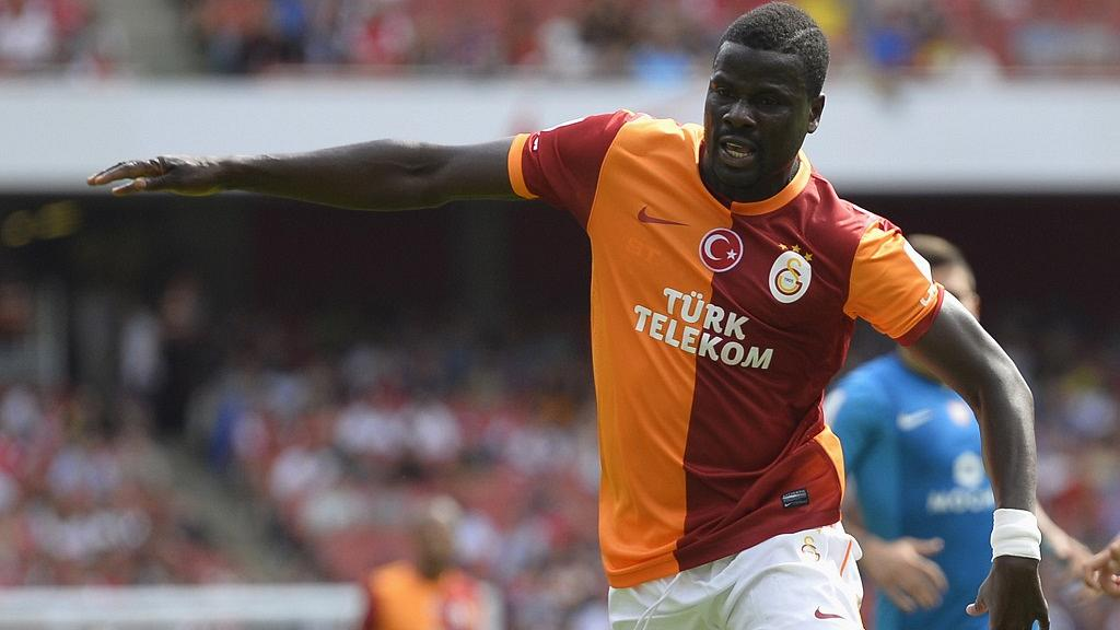 Former Ivory Coast defender Emmanuel Eboue joins Sunderland
