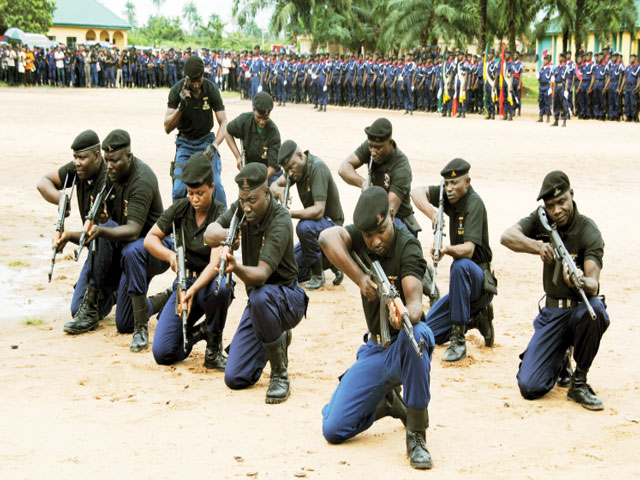 Nigerian Army trains NSCDC officers in Minna