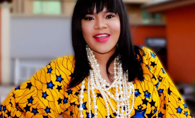 Toyin Aimakhu escapes fan mob in Ilesha