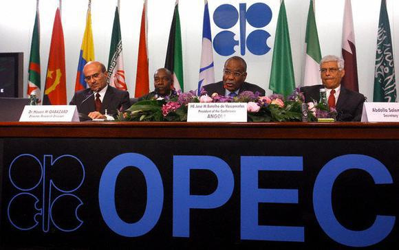 Iran rules out OPEC deal as Russia, Saudi push for oil output hike