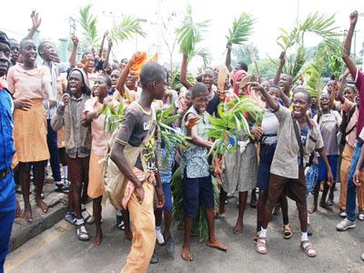 Students go on rampage, destroy School Properties in Oyo