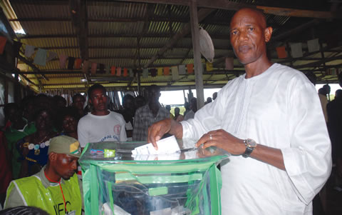 Oke votes, urges INEC to resolve malfunctioning card readers