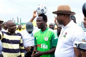 Chinedu to cycle 100 km with ball on his head