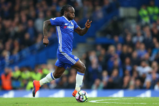 Chelsea offer Moses new contract to ward of Barca