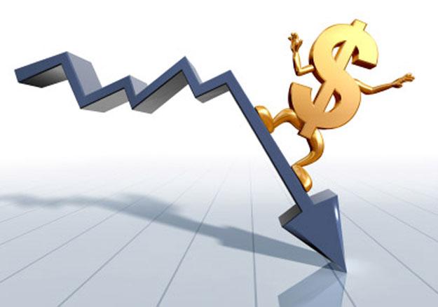 Naira crashes to N465 per dollar in black market