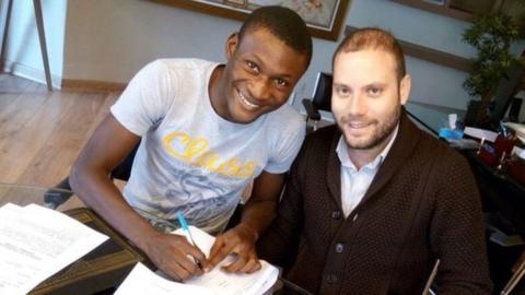 Godwin Obaje signs for Etoile du Sahel