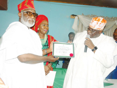 #OndoDecides: Akeredolu receives certificate of return
