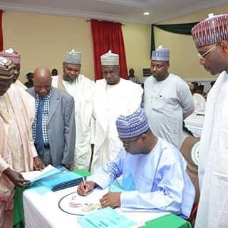 Yobe Gov signs 2017 budget into law