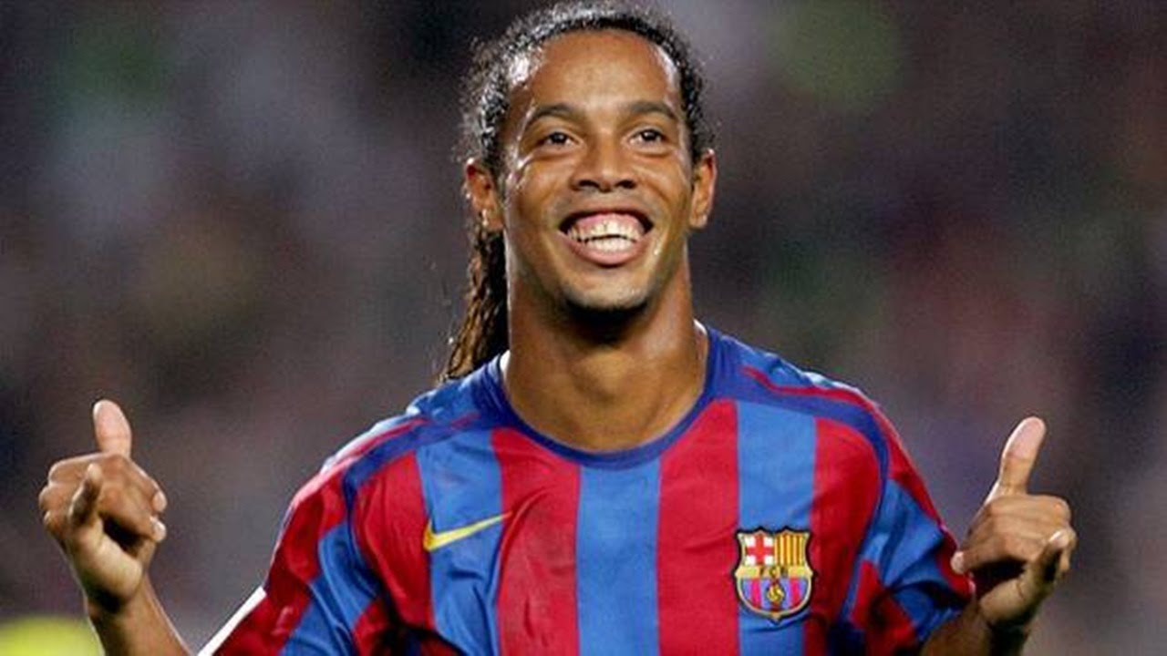 Ronaldinho offers to play for Chapecoense
