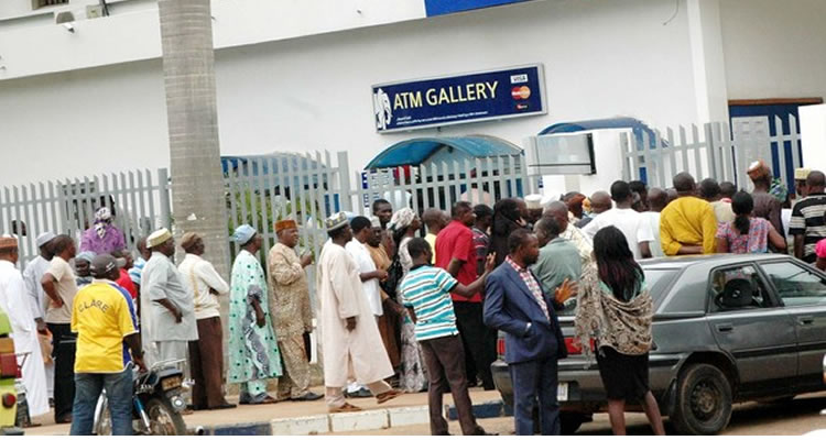 Bayelsa residents queue long hours to withdraw money