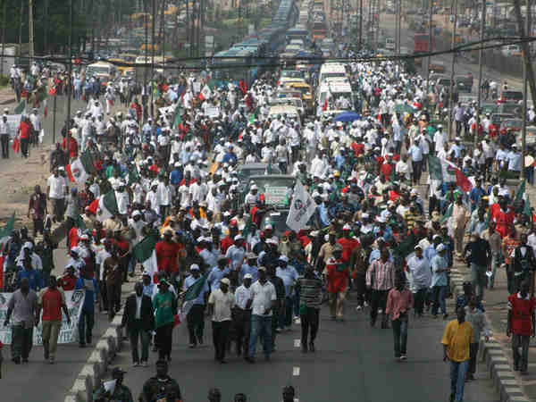 Thousands stranded as protesters block Abuja-Lokoja highway