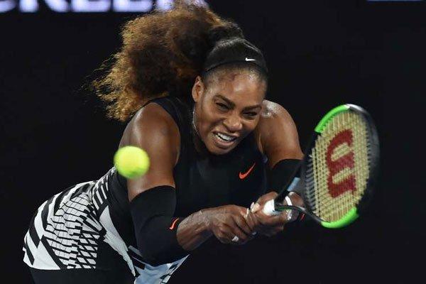 Serena Williams powers into Australian Open third round