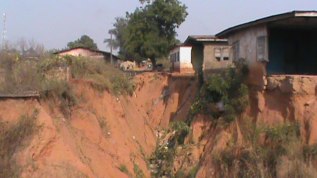 Gully erosion : Ondo community seeks government intervention