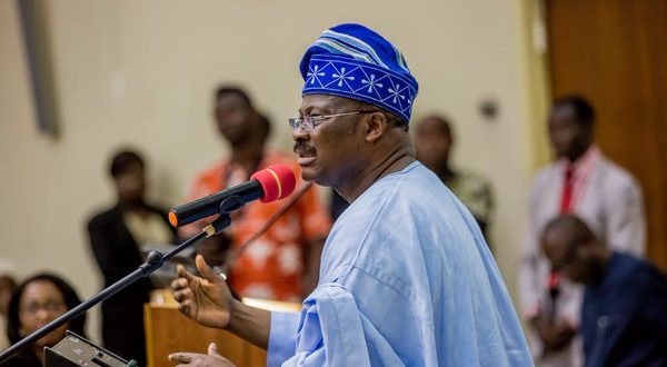 Gov. Ajimobi secures bond to complete road projects by 2019