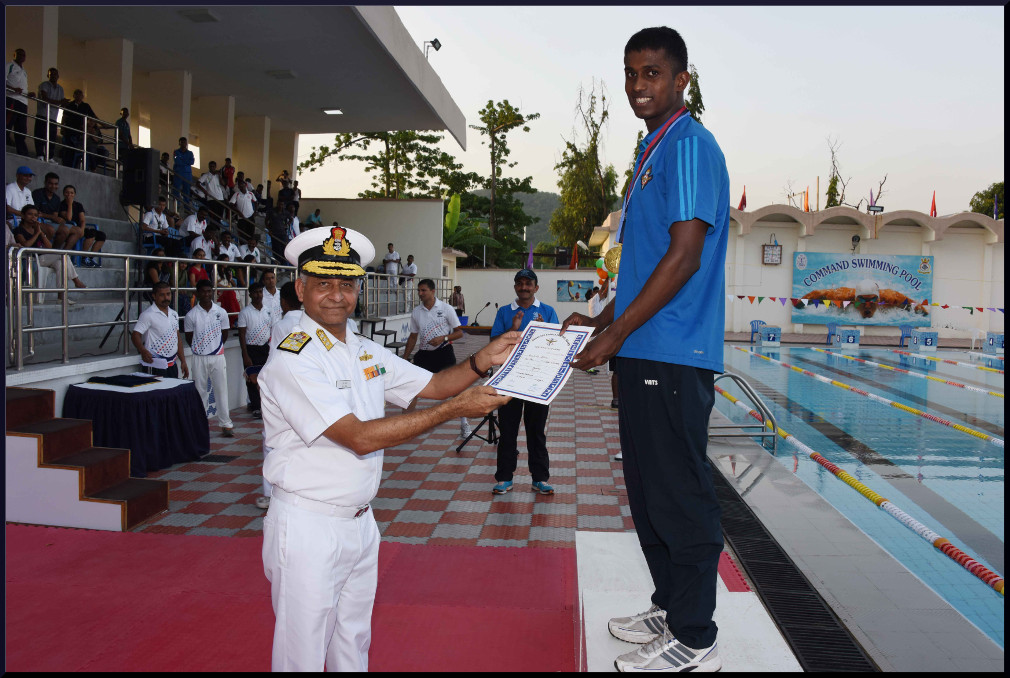 Western Naval Command wins swimming competition