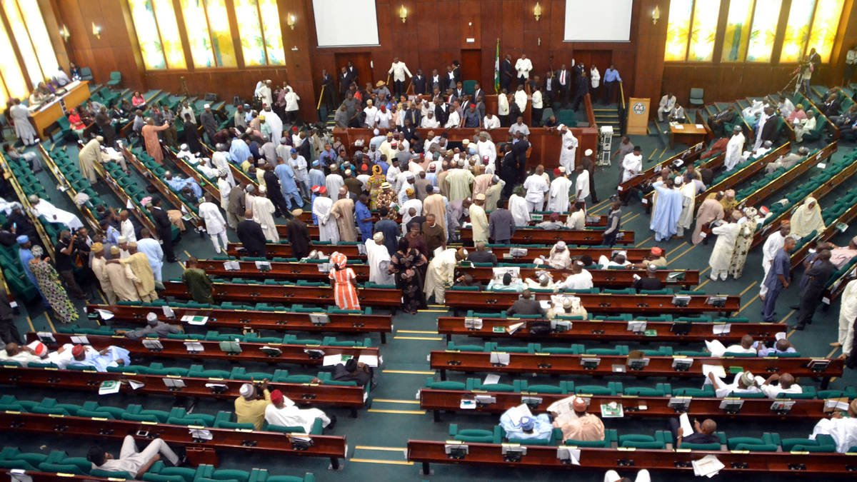 Reps vote to restrict tenure of president, governors