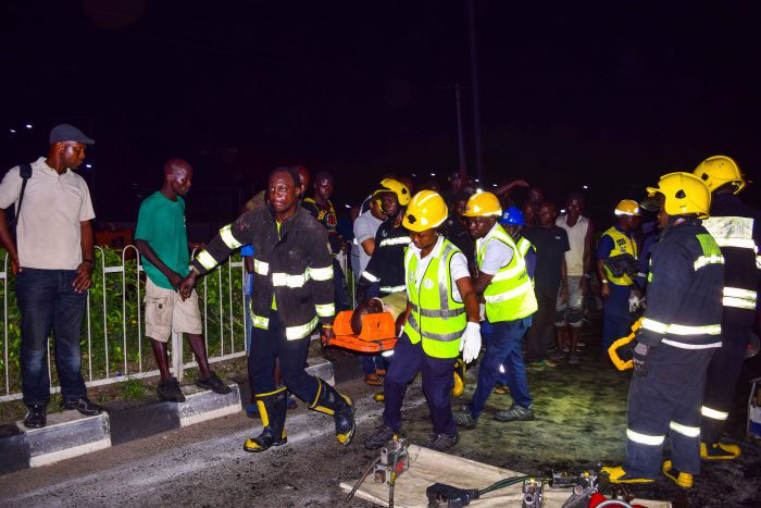 One killed as truck loses control along Lagos-Ibadan expressway