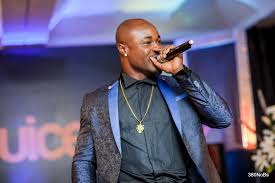 Harrysong gives out his N3.5m rolex at real deal experience in Aba