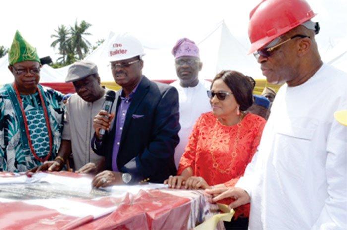 Ajimobi flags off N70bn Ibadan Circular Road construction