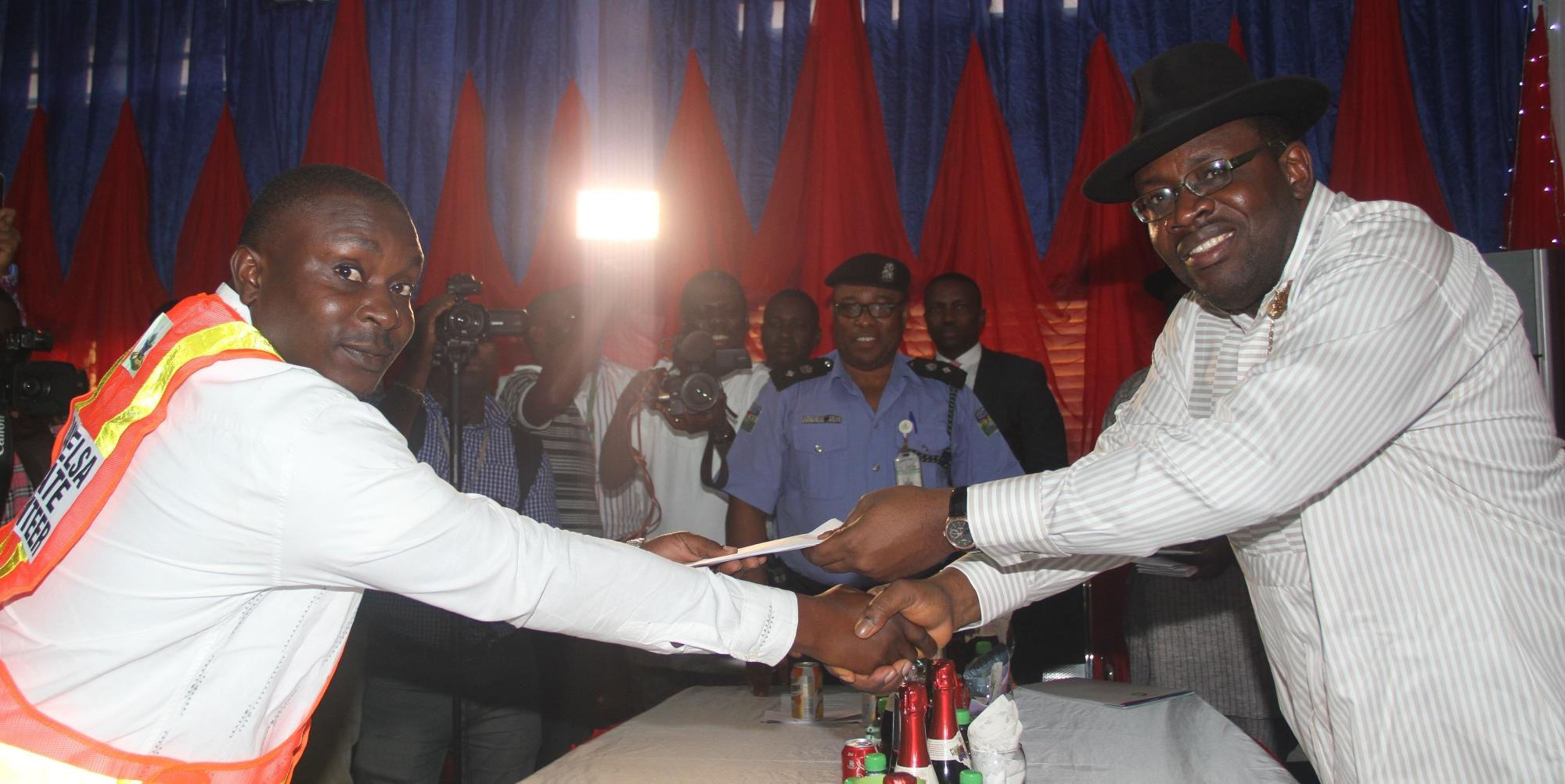 Governor Dickson inaugurates State Security Volunteers
