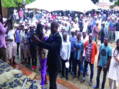 More than 100 youths renounce cult membership in Ikorodu
