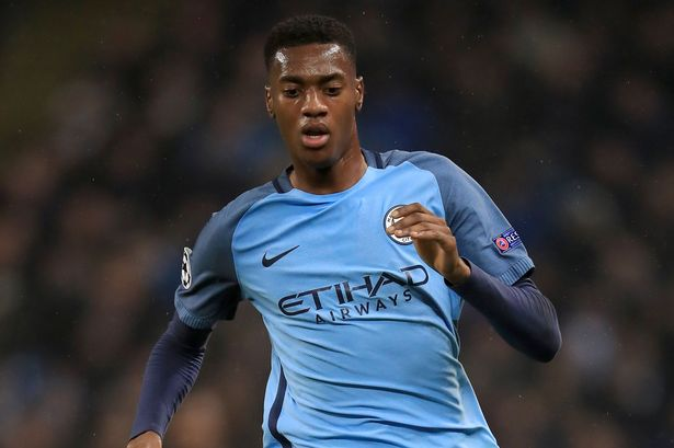 Tosin Adarabioyo extends Manchester City stay