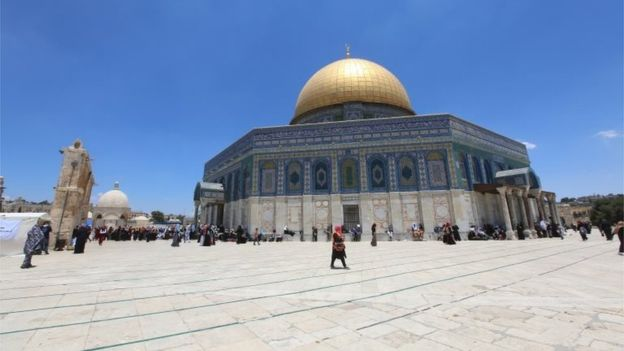 Al Aqsa mosque : Israel removes security apparatus from holy site