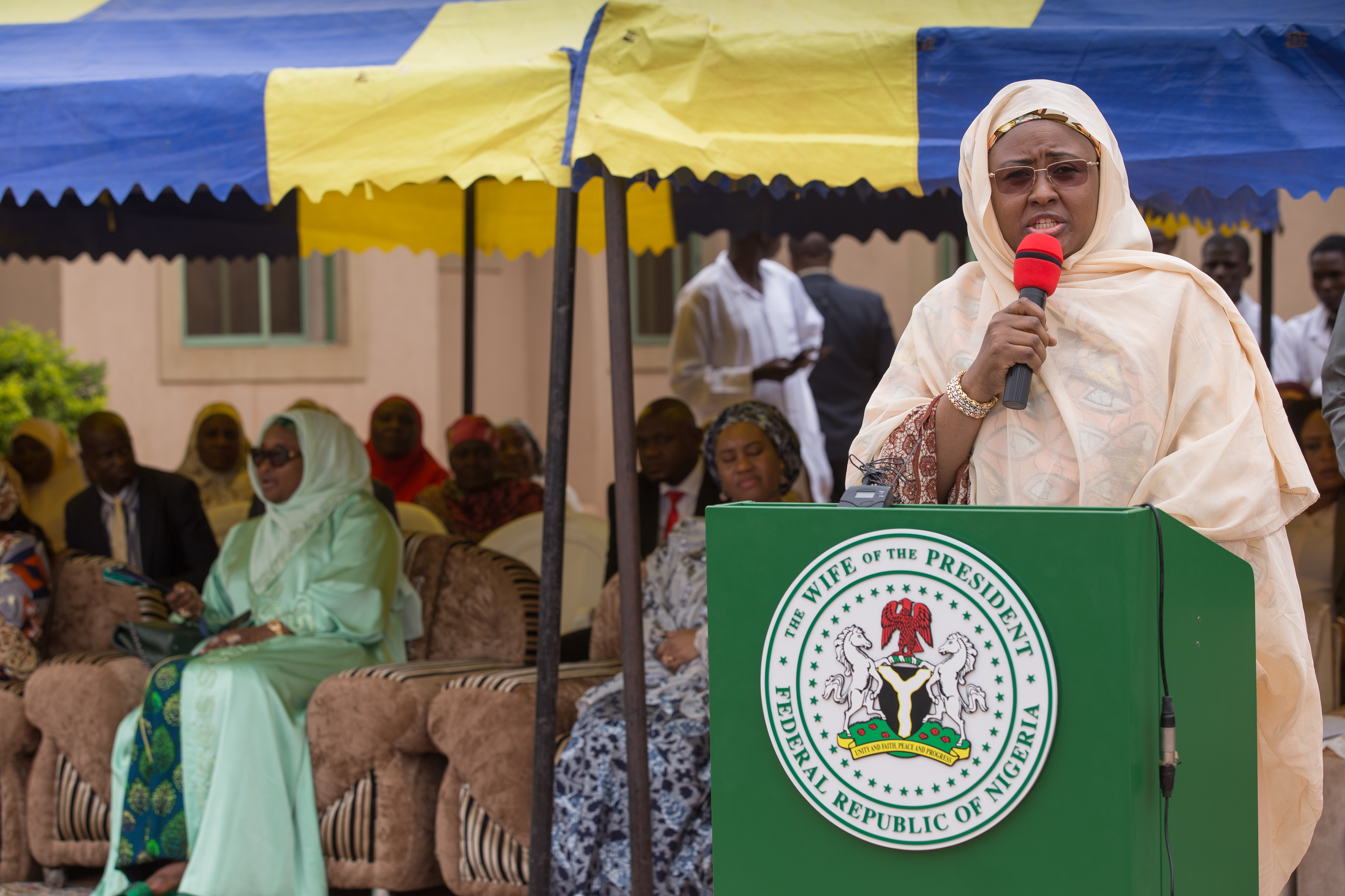 Aisha Buhari donates drugs, food items to women in Niger