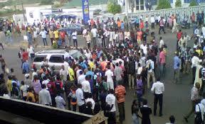 Ondo students barricade BEDC office over poor power supply