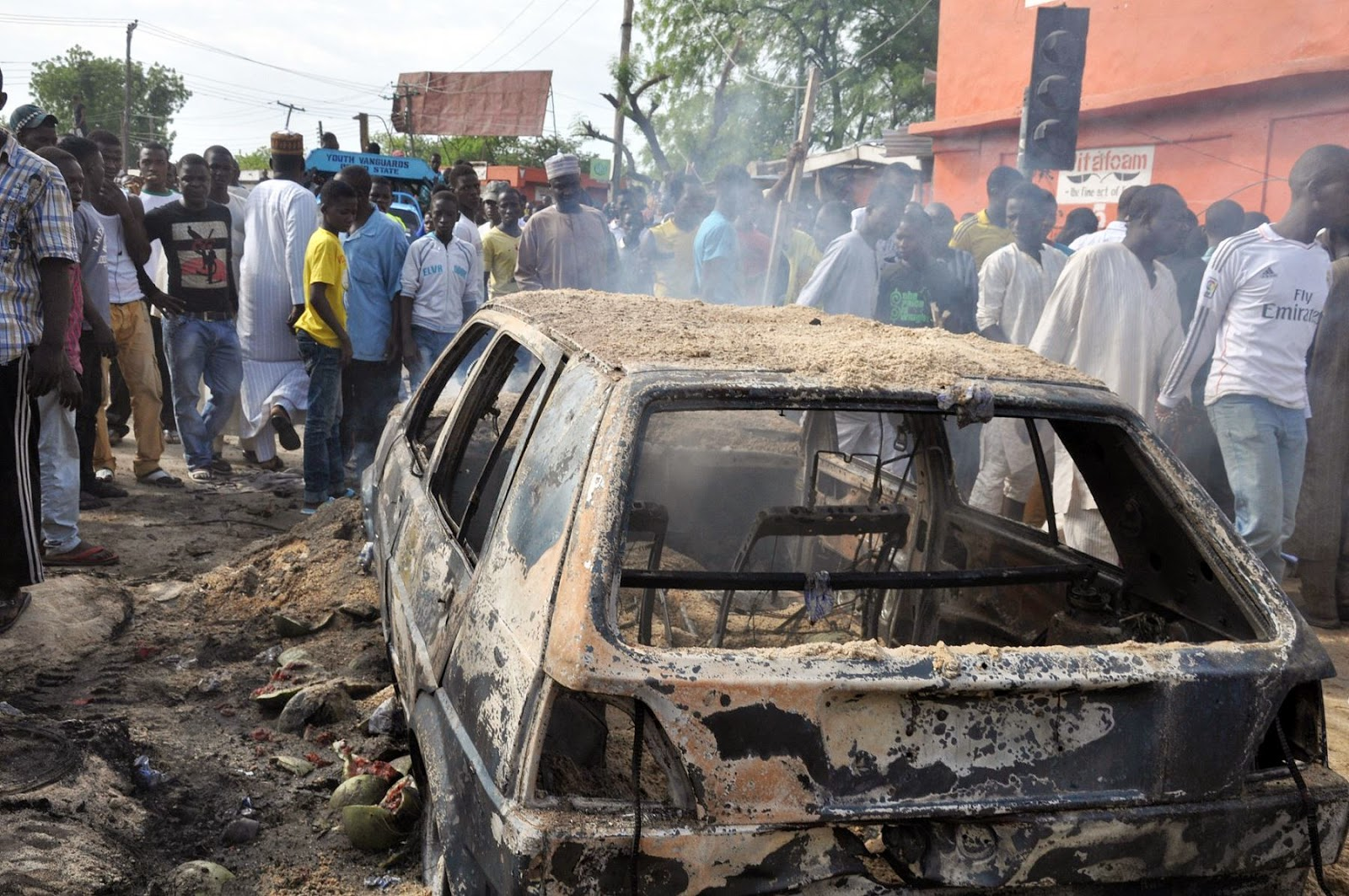 Suicide bombers kill 27, wounded 83 in Konguda market
