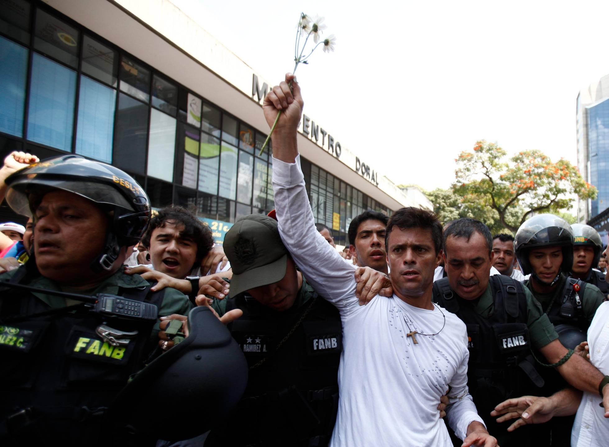 Venezuelan opposition leader Leopoldo Lopez back in house arrest