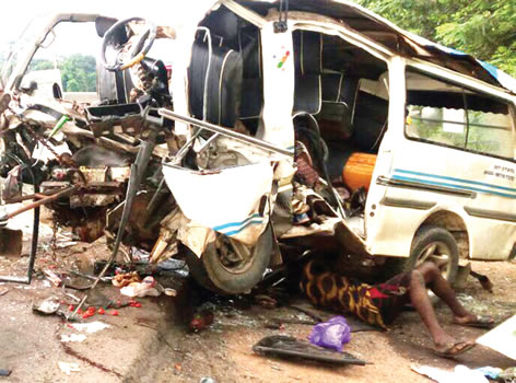 30 people killed in Lagos-Ibadan highway crash