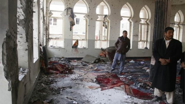 Six killed in Shi'ite mosque suicide attack in Afganistan