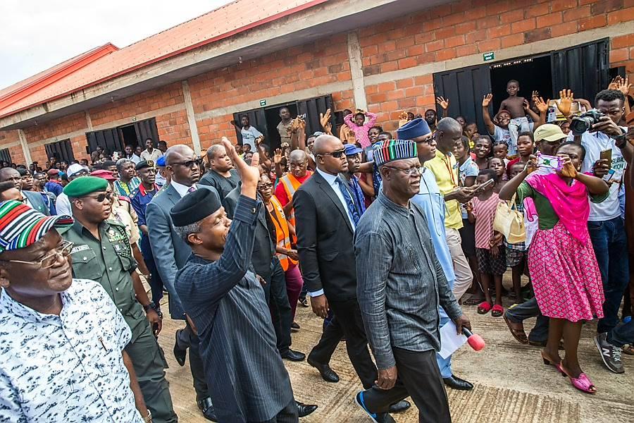 Osinbajo visits flood victims in Makurdi