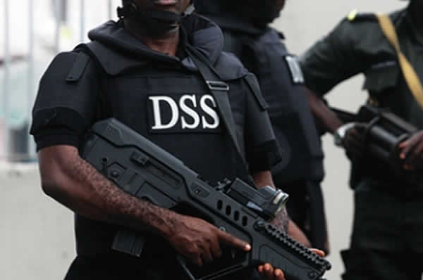 DSS Operatives allegedly batter two Journalists in Osun