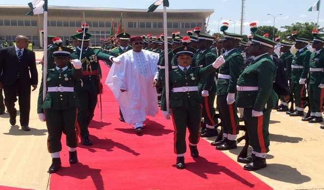 Nigerien President visits Buhari in Daura