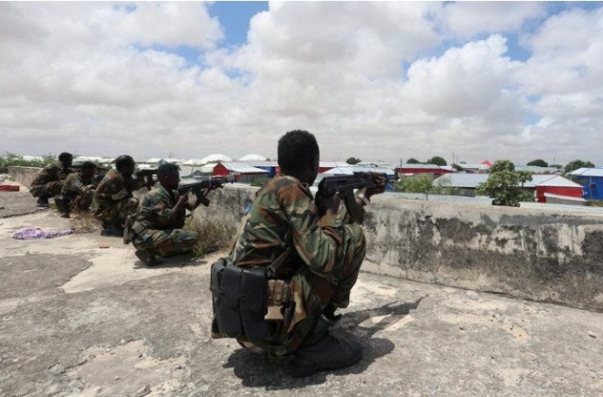 Somali police say 9 killed in fighting between different branches of govt. forces