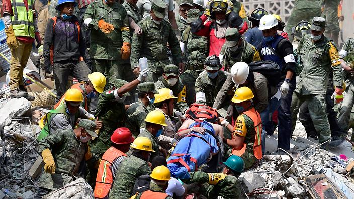 50 survivors dug out from Mexico earthquake rubble as death toll rises