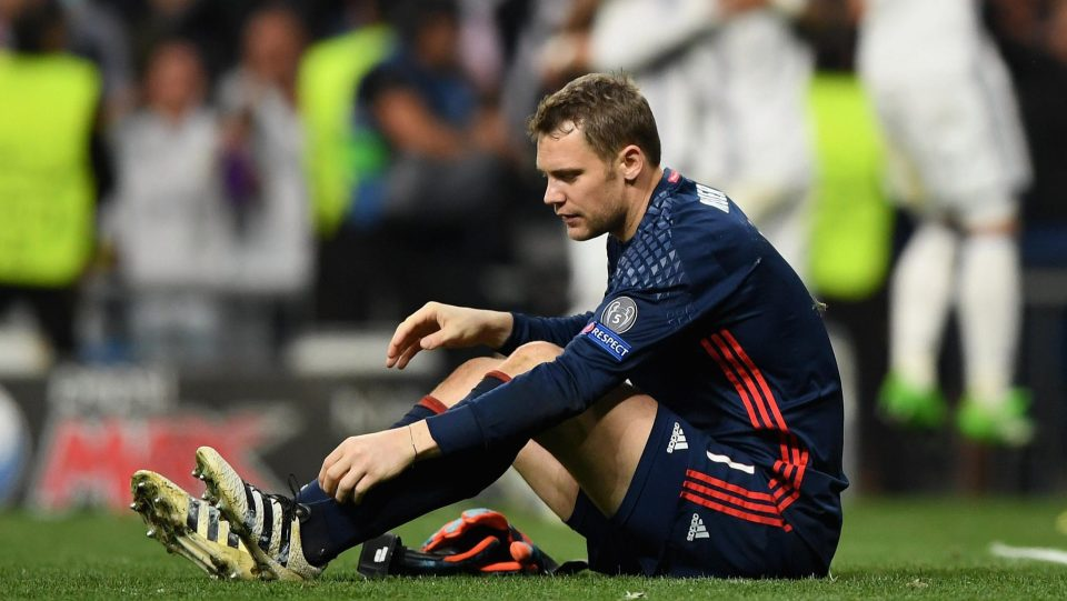 Manuel Neuer to miss rest of 2017 for Bayern Munich with broken foot
