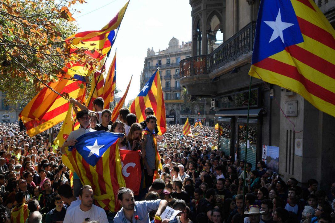 Spanish govt. deploys police in Barcelona to prevent referendum vote