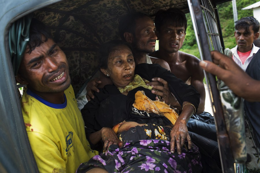 Myanmar violence : Rohingya refugees build shelters on Bangladesh govt. land