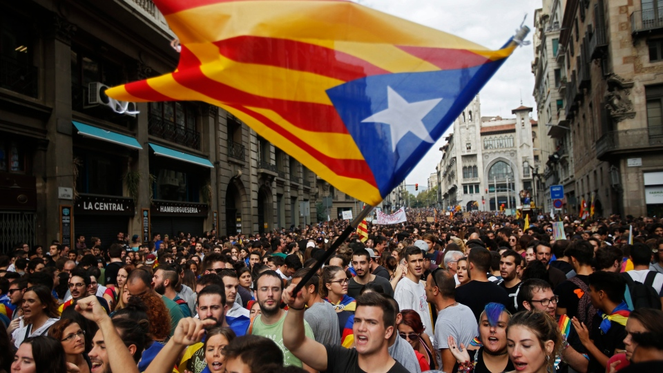 Catalonia: Hundred protest against arrests of Separatist leaders