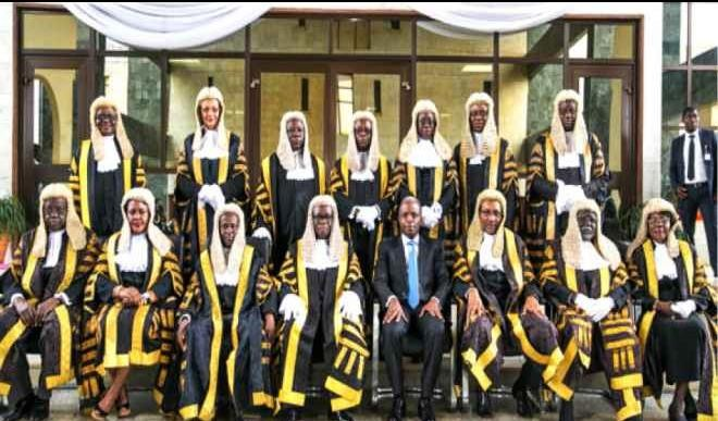 Buhari urges Nigerian judges to support anti-graft war